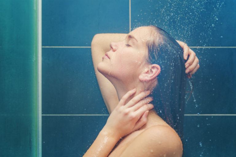 Hydroluxe Showerhead Combo: The 2-in-1 Showerhead You Need