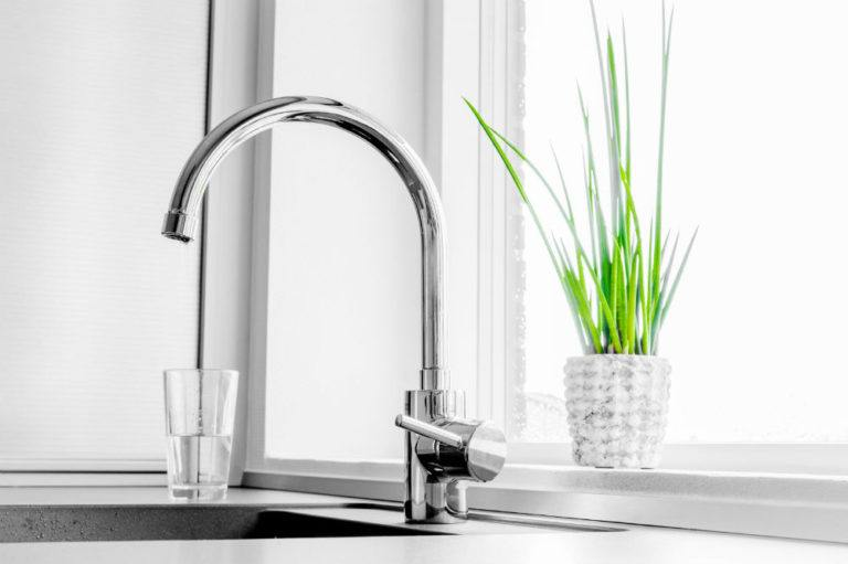 Best Touchless Kitchen Faucets for Your Home